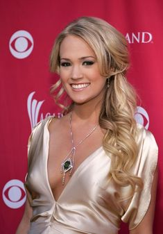 Carrie Underwood Hair - Half Up