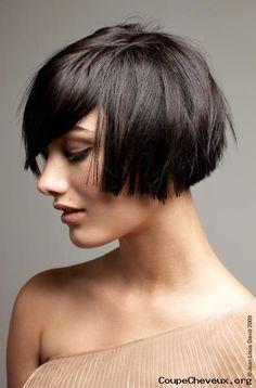 femme-cheveux-mi-longs-8.jpg 395×600 pixels