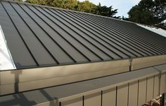 The very sophisticated economical Archclad ™ Cliptray 25 mm opens a new dimension in metal roofing and façades. Roof Cladding, Wall Cladding, Awning Shade, Standing Seam Roof, Commercial Construction, Roof Covering, Metal Roof, Facade, Beautiful Homes