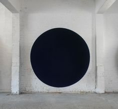 ANISH KAPOOR Void