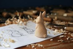 Simple Wood Carving, Wood Carving Faces, Stone Crafts, Wood Crafts, Carved Wooden Animals, Whittling Projects, Soapstone Carving, Wooden Rabbit, Wood Animal