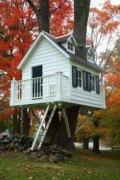 (Nearly) life-size treehouse - The Orange County Register