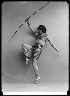 Fokin, Stockholm 1913 Mikhail Fokin in the ballet Cleopatra. Glass plate negative.