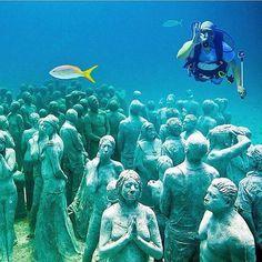 Follow @ocean_magazine for more amazing underwater photography! - Location - Underwater museum Mexico. - Photo - @leandrorodrigodelima - #OurLonelyPlanet #Mexico Hotels-live.com via https://instagram.com/p/8S3dOARtId/