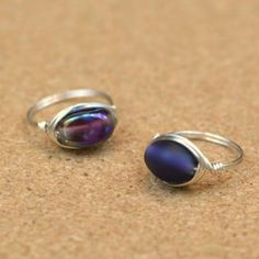 Turn those stray beads into pretty accessories! Video tutorial for making your own wire-wrapped rings - each takes less than 10 minutes.