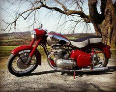 48 Trendy Ideas for vintage bike india Honda Motorcycles, Vintage Motorcycles, Bike Storage Home, Bike India, Jawa 350, New Electric Bike, Bullet Bike Royal Enfield, Mountain Biking Women, Bike Poster