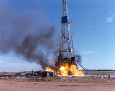 dangerous oil rig fire and blow out in the oilfield Oilfield Trash, Oilfield Life, Oil Rig Jobs, Petroleum Engineering, Drilling Rig, O Gas, Oil Industry, Crude Oil, Oil Field
