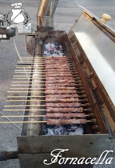Bbq Steak, Barbecue Grill, Bbq Smoker Trailer, Kebab Skewers, Kitchen Grill, Gas Bbq, Food Trailer, Grill Accessories, Kabobs