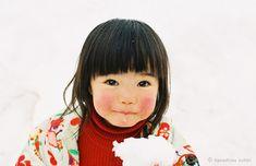 so unbelievably cute!  / 川島小鳥写真展「未来ちゃん」 - デジカメWatch