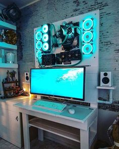 The Gamer Xtreme gaming PC is a fine example of the hard-won standing of CyberPowerPC in the gaming community. Gaming Computer Setup, Computer Gaming Room, Best Gaming Setup, Gaming Room Setup, Best Pc Setup, Wall Mounted Pc, Game Room Kids, Bedroom Setup, Video Game Rooms