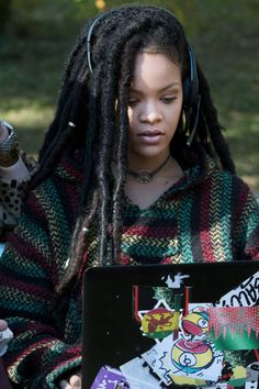 7 Movies You Totally Forgot Rihanna Was In Mode Rihanna, Rihanna Style, Rihanna Fenty, Rihanna Dreadlocks, Rihanna Movies, Faux Locs Hairstyles, Kid Hairstyles, Dreadlock Styles, Dark Skin Girls