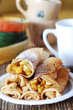 Apple cinnamon Crepes... Want me some! Breakfast or dessert... hey I'll take them for lunch or dinner too! ;)