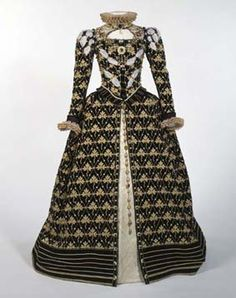 This is very Elizabethan.  I love the color choices... or lack thereof.  :) - actually 1580s but I love it for this collection
