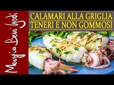"""Per preparare calamari alla griglia, o alla piastra, teneri (e non gommosi) ci sono 2 modi. Un sistema, il più tradizionale, prevede una corretta preparazione del mollusco e un attento controllo della cottura. L'altro sistema punta ad intenerire le carni, prima della cottura, per via """"chimica""""! Oven Recipes, Recipies, Wood Oven, How To Cook Fish, Fish Dinner, Italian Recipes, Sushi, Seafood, Bbq"""