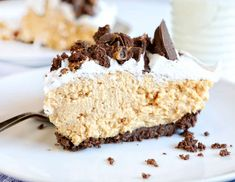 This unbelievably creamy Peanut Butter Pie with Peanut Butter Filled Cookie Crust is going to be your new favorite dessert! Bursting with peanut butter flavor and smooth as silk! I decided to make th 13 Desserts, Delicious Desserts, Dessert Recipes, Pie Recipes, Frosting Recipes, Yummy Food, Peanut Butter Filling, Peanut Butter Recipes, Cake