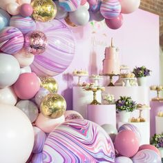 Happy #4thbirthday precious Ariana. Such a pleasure working with her mummy to create such a magical set up  #styling @ohferi_eventstyling #cake and #desserts @lamannapatisserie #cakepops @sutsacakebar #freshflorals @inbloomfloral_design #prophire @thebigletterco #design @millyboodesigns #balloongarland @boutiqueballoonsmelbourne #tottiphotography #melbourne_insta #melbourneparty #kidsparty #kidspartyplanner #eventsmelbourne #3000 #kidstheme #confettiballoons #buttercreamcake #unicorn #unicor