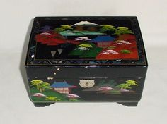GORGEOUS VINTAGE BLACK LACQUER WOOD MOTHER OF PEARL JEWELRY MUSIC BOX JAPAN  #Japan