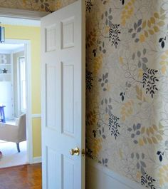 Oooh, this is the prettiest wallpaper, especially with the yellow hallway.