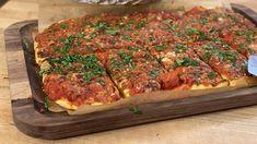 Pizza Recipes, Dinner Recipes, Cooking Recipes, Utica Tomato Pie Recipe, Rachel Ray Recipes, Banoffee Pie, Baked Banana, Risotto Recipes, 30 Minute Meals
