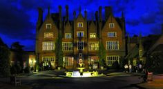 Dunston Hall Norwich Situated in 150 acres of wooded parkland, this splendid hotel combines Elizabethan and Victorian styles. It has an 18-hole golf course on site, an indoor swimming pool and a luxurious spa.