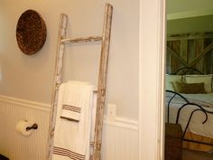 $10 DIY Vintage Ladder