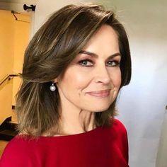 Lisa Wilkinson, Medium Length Hair With Layers, Layered Hair, Wedding Makeup, Wedding Accessories, Hair Beauty, Make Up, Drop Earrings, Face