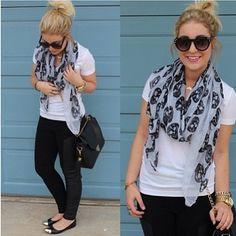 Skull scarf plain tee
