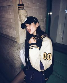 [ open rp, girl please ] dua- i walk into the club, looking around. i go and order a drink and you come up to me. i smirk and you say..