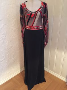 One of the dresses I want to keep. To My Mother, Stunning Dresses, Emilio Pucci, I Shop, Cold Shoulder Dress, Paris, Shopping, Vintage, Things To Sell
