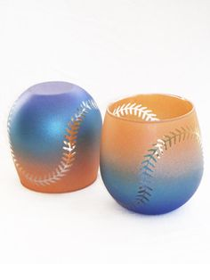 Custom Wine Glasses - Baseball or Softball Design. You can choose your own colours. Cute!