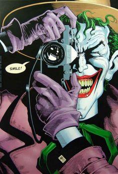 Mucho antes de que Christopher Nolan hiciera lo suyo con Batman, Frank Miller y Bruce Timm eran 2 de los pocos personajes que habían logrado llevar al hombre murciélago a espacios nunca antes presentados.Justamente a estos 2 hombres debemos agradecerles la existencia del material original en el que se basa Batman: Th