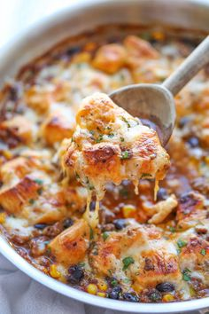 One Pan Enchilada Bake - a new twist on an old favorite! The easiest and cheesiest enchilada bake made in a single pan – easy peasy with only one dirty pot. You can't beat that! (cheese enchiladas no meat) Mexican Dishes, Mexican Food Recipes, Beef Recipes, Cooking Recipes, Chicken Recipes, Easy Dinner Recipes, Great Recipes, Easy Meals, Gastronomia