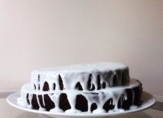 A one-bowl chocolate cake recipe with peppermint icing.