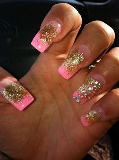 I want my nails like this <3