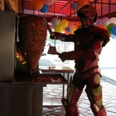 Ironman + Taco al pastor Tony Stark, Taco Man, Geek Costume, Avengers, Ironman, Summer Jobs, Iron Chef, Downey Junior, Humor Grafico