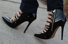 Black & Blue | the Fashion Bybel - Absolutely love these shoes!