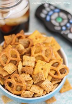Buffalo Chex Mix -- Chex mix with all the flavor of buffalo wings - Snack Mix Recipes, Chex Mix Recipes, Cooking Recipes, Snack Mixes, Yummy Appetizers, Yummy Snacks, Appetizer Recipes, Yummy Food, Tasty