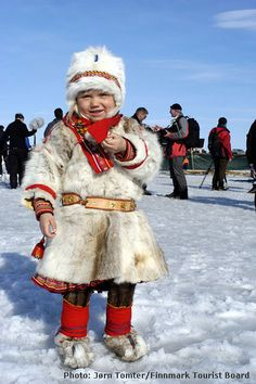 Norwegian Sammi Child --- i LOve her classic fur to stay very warm in extreme weather. A nice day... darling <3
