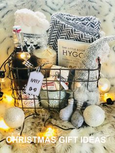 Diy Geschenk Basteln - A DIY hygge gift basket that makes a great cozy gift for Christmas. gift for christmas Diy Geschenk Basteln - A DIY hygge gift basket that makes a great cozy gift for Christmas. Sister Christmas Presents, Teenage Girl Gifts Christmas, Christmas Gift Baskets, Xmas Gifts, Christmas Fun, Holiday Gift Baskets, Gift Baskets For Women, Hygge Christmas, Best Friend Christmas Presents