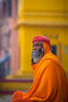""" Portrait Of Sadhu Holy Man Along Ganges, Varanasi, India (by Eric Lafforgue) "" Varanasi, We Are The World, People Around The World, Eric Lafforgue, India Colors, Robert Doisneau, Portraits, Jolie Photo, World Of Color"