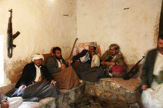 Guerriglieri che consumano il Qat