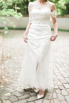Bride in Monique Lhuillier | photography by http://www.rebeccaarthurs.com
