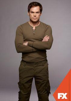 """Michael C. Hall é """"Dexter Morgan"""". Dexter - Nova temporada, domingos às 23h #DexterBR www.fxbrasil.com.br/dexter"""