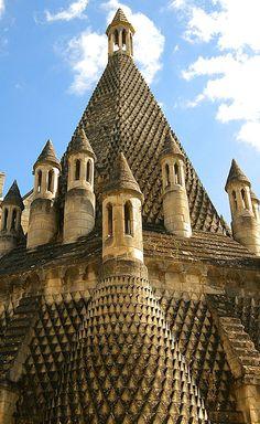 Kitchen roofs of the abbaye de Fontevraud (Fontevraud Abbey or Fontevrault Abbey), Fontevraud-l'Abbaye near Chinon, Anjou, France. http://www.castlesandmanorhouses.com/photos.htm