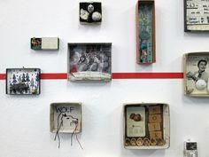 "mano's welt: ausstellungseröffnung ""galerie auf zeit"" Cigar Box Projects, Art Projects, Altered Tins, Altered Art, Mixed Media Boxes, Paper Art, Paper Crafts, Collages, Matchbox Art"