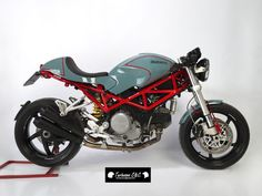 Ducati S2R 800 Cafe Racer - Tartessos C&C. Desde Sevilla, llega esta pedazo de S2R 800 transformada con un estilo puro cafetero. DESCÚBRELA