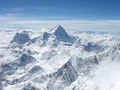 Monte Everest  Nepal - China  En la frontera entre ambos países