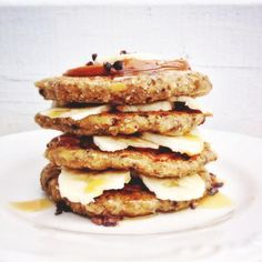 Chocolate Chip Banana Superfood Pancakes | Sakara Life - News | Bloglovin'