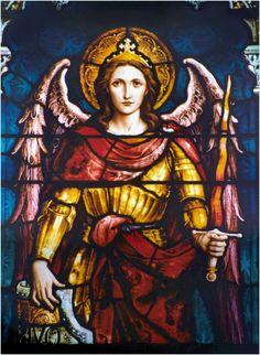 Divino Arcángel Miguel: Toma posesión de este hogar que humildemente te ofrezco y purifícalo con tu presencia. Haz que sea un hogar digno...