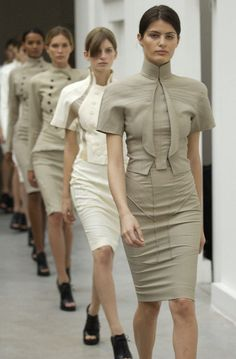 Everything about this is so appealing- the neutral colour palette, the clean lines and structure. So so lovely